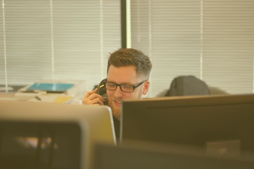 What Is a Contact Centre Agent or Advisor – and How Do You Become One?